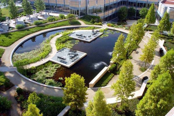 Top 10 best landscape design school in the united states for Best garden designers